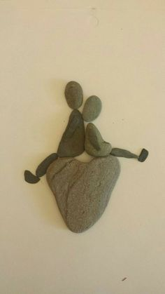 Stone Crafts, Rock Crafts, Arts And Crafts, Diy Crafts, Pebble Art Family, Rock And Pebbles, Rock Painting Designs, Diy Art Projects, Sea Glass Art