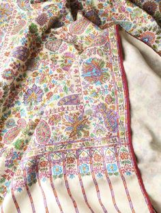 Fine Kalamkari And Embroidery Kashmir Pashmina Shawl Duppata Style, Kashmiri Shawls, Fibre And Fabric, Different Stitches, Indian Patterns, Muslin Fabric, Embroidered Clothes, Embroidery Techniques, How To Look Classy
