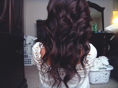 Obsessed with this color!! Can't wait til summer when I finally go dark again<3 style is pretty too :)