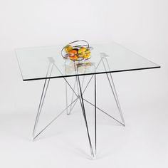 Mesa de comedor TENDAR Cuadrada, con patas de metal