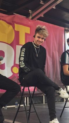 It looks like he has to pee Corbyn Besson, Why Dont We Imagines, Why Dont We Band, Zach Herron, Jack Avery, To My Future Husband, Cute Guys, Cool Bands, My Boys