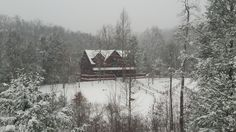 It is #snowing in the #GreatSmokyMountains #winter #snow #scenery #nature .. #BlueMountainLodge #Vacationrental #cabin near #gatlinburg... We love days like this!