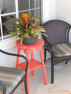 flea market table painted coral for the front patio-could do this with repurposed stools.