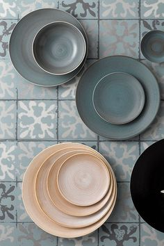 The Art Glaze Collection created by Royal Crown Derby features three stunning colours, Ocean Whisper, Classic Vanilla and Almost Midnight, is a stylish and contemporary new range meeting aspirations for functional and highly desirable quality luxury casual tableware for everyday use.