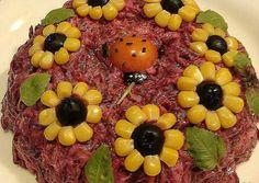 salotu puos14 Vegetable Decoration, Food Decoration, Food Crafts, Diy Food, Cute Food, Good Food, Food Art For Kids, Food Carving, Food Platters