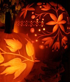 Gorgeous and intricately detailed carved pumpkins...love these!!! Halloween Candles, Halloween Pumpkins, Halloween Crafts, Halloween Decorations, Fall Pumpkins, Wedding Decorations, Halloween Clothes, Halloween Labels, Wedding Favors