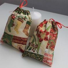 Pochon , petit sac pour cadeau de noël