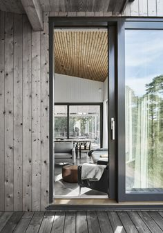 Villa Boo, Salthamn – M. Architecture Details, Modern Architecture, Home Interior, Interior Design, Island Villa, Timber Ceiling, Haus Am See, Contemporary Apartment, Wooden House