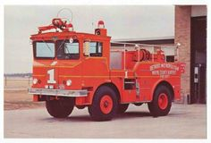1975 Walters Airport Crash Fire Truck (Detroit Wayne County Airport)