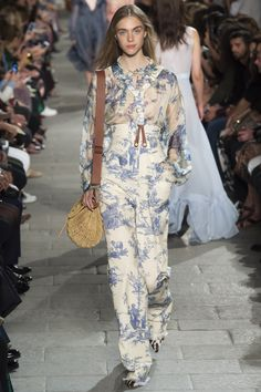 Philosophy di Lorenzo Serafini Spring 2016 Ready-to-Wear Fashion Show - Hedvig Palm