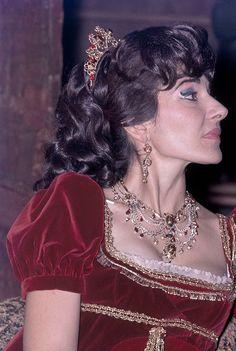 Maria Callas as 'Tosca'. Maria Callas, Yoga Hair, Heaviest Woman, Russian Wedding, Opera Singers, Ice Queen, Classical Music, Beautiful People, Beautiful Women