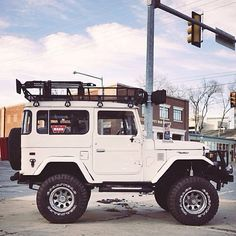 Toyota Land Cruiser - had one just like this, this was a go anywhere vehicle ( cb handle in '75 was white shadow) four wheeling was all the rage in California