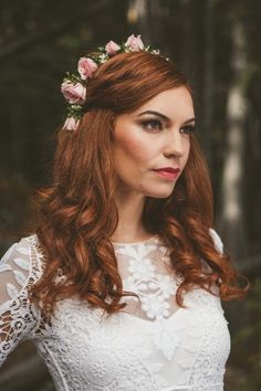 Half floral crown of pink majolica spray roses and baby's breath for a Banff, Alberta styled wedding.  Photo: Erika Lagy Photography Hair/MUA: The Pretty Haus Gown: @bridal_boutique   Designed by Calgary Wedding Florist- Flowers by Janie www.flowersbyjanie.com