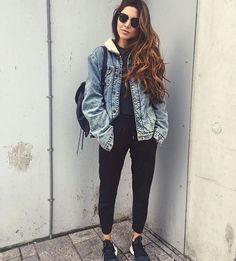 Lazy but stylish outfit ideas popsugar fashion casual fridays, lezser ruhák Casual School Outfits, Stylish Outfits, School Outfits For College, Stylish Clothes, College Fashion, Minimalist Outfit, Denim Fashion, Fashion Outfits, Fashion Trends