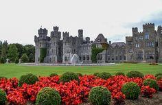 Bellos Lugares De Irlanda.Castillo Ashford. Este castillo forticado medieval fue construido en 1228. El castillo es localizado en el Condado de Galway, con vistas a Loch Corrib, un encantador lago en la parte occidental de Irlanda.