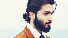 Manu bun barbe - coiffure homme
