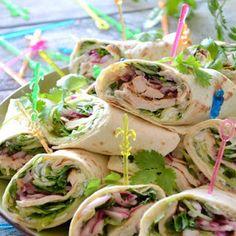 Talerz kibica. Zawijane kanapki z tortilli Tortilla, Wrap Sandwiches, Best Appetizers, Party Snacks, Fresh Rolls, Food Videos, Tapas, Food And Drink, Healthy Recipes