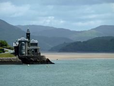 The Clock House again, Barmouth, North Wales Places In Europe, Places To Visit, Wales Snowdonia, Welsh Coast, Shell Island, British Countryside, Holiday Places, Country Scenes, North Wales