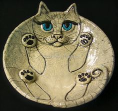 this - combines my love of cats and love of raku pottery . Raku Fat Cat by Becky Dennis Raku Pottery, Slab Pottery, Pottery Animals, Ceramic Animals, Sculptures Céramiques, Sculpture Clay, Ceramics Projects, Clay Projects, Pottery Courses