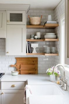 Kitchen Living Rooms Remodeling 45 Gorgeous Kitchen Ideas on a Budget 2018 Living Room On A Budget, Living Room Remodel, Living Room Kitchen, Kitchen Decor, Dining Room Ideas On A Budget, House Ideas On A Budget, Dining Rooms, Apartment Living, Kitchen Interior