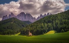 Download wallpapers Italy, Saint St Johann Church, summer, San Giovanni Church, Geisler Spitzen, Dolomites, Val di Funes, Trentino