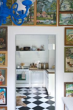 Old House, New Tricks: See How 3 Gorgeous Old Houses Were Outfitted for a New Century — Past Meets Future Old Victorian Homes, Victorian House, Inspiration Wall, Kitchen Inspiration, Kitchen Ideas, Eclectic Decor, Eclectic Kitchen, Eclectic Style, New Tricks