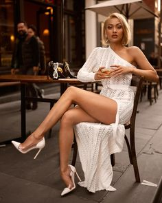 image of micah gianneli wearing white dress from hot miami styles - Best Fall Outfits To Copy Right Now Sexy Outfits, Sexy Dresses, Fall Outfits, Cute Outfits, Fashion Outfits, Great Legs, Beautiful Legs, Pernas Sexy, Sexy Women