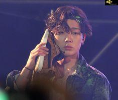 Bobby calling eomma on his phone 😂😍 Kim Jinhwan, Ikon Wallpaper, Ikon Debut, Bobby S, Mobb, Kpop, Wattpad, S Pic, Yg Entertainment