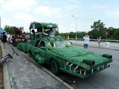 Bilderesultat for crocodile art car