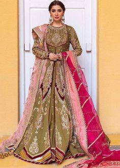 Pakistani Bridal Dresses Online, Pakistani Bridal Wear, Bridal Lehenga, Pakistani Formal Dresses, Henna Color, Bridal Shirts, Mehndi Brides, Designer Wedding Dresses, Dress Making