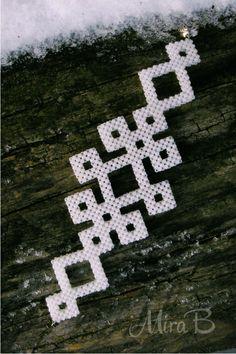 White Seed Bead Bracelet 'Celtic Motives' by releaserevolverenew