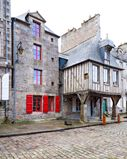 la maison Pavie / Dinan  http://lefooding.com/fr/chambres-hotels/chambre-d-hote-la-maison-pavie-dinan