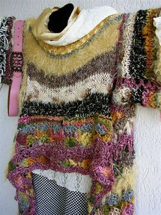 "aus der Serie ""…believe me it´s a scarf"" – das wird doch wohl kein Schal … from the series ""… believe me it'sa scarf"" – that will not be a scarf? Knit Art, Crochet Art, Knitting Patterns, Crochet Patterns, Crochet Jacket, Freeform Crochet, Loom Knitting, Crochet Clothes, Pulls"