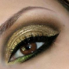 Gold & green eyeshadow