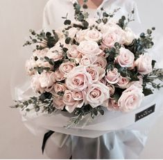 Beautiful floral bouquet found via My Flower, Fresh Flowers, Beautiful Flowers, Spring Flowers, Beautiful Bouquets, Beautiful Smile, Deco Floral, Arte Floral, No Rain