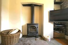 1 bed cottage for sale in Hawkesbury Road, Hillesley, Wotton-Under-Edge, Gloucestershire - Find Property, Property For Sale, Flats For Sale, Cottage Style, Home Appliances, Living Room, Bed, House, Chalet Style