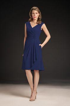 dd71938eea4 M190052 Knee Length V-neck Chiffon MOB Dress