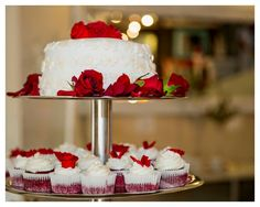 A stunning wedding cake by Best Bakes! Simplicity is key. Wedding Cakes, Key, Baking, Desserts, Food, Deserts, Unique Key, Wedding Cake, Bakken
