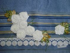 LOY HANDCRAFTS, TOWELS EMBROYDERED WITH SATIN RIBBON ROSES: FELIZ NATAL.