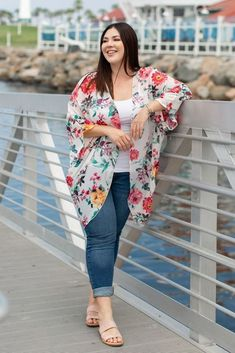 Cool Summer Outfits Ideas For Plus Size Women To Try - Outfit Ideen Casual Plus Size Outfits, Plus Size Casual, Curvy Outfits, Mode Outfits, Plus Size Dresses, Fashion Outfits, Womens Fashion, Plus Clothing, Plus Size Womens Clothing