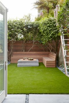 Guide To Achieve An Environmentally Friendly Garden Backyard Ideas Backyard Landscaping Small Backyard Ideas Outdoor Living Space Modern Garden Ideas Modern Landscaping P. Privacy Landscaping, Small Backyard Landscaping, Modern Landscaping, Backyard Patio, Landscaping Ideas, Garden Privacy, Privacy Screens, Outdoor Privacy, Backyard Seating