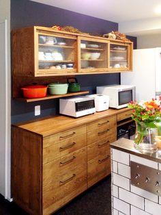 Sliding wood cabinet doors on uppers Kitchen Cabinet Storage, Kitchen Cupboards, Kitchen Pantry, Kitchen Organization, Kitchen Dining, Sliding Cupboard, Wood Cabinet Doors, Kitchen Layouts With Island, Japanese Kitchen