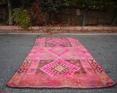 turkish rug oushak rug vintage rug turkey rug by turkishrugstar Types Of Rugs, Entry Rug, Pink Rug, Bohemian Decor, Tribal Rug, Small Rugs, Floor Rugs, Vintage Rugs, Area Rugs