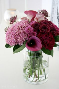 Floral Bouquet in Pinks and Burgundies Deco Floral, Arte Floral, Beautiful Flower Arrangements, Floral Arrangements, Fresh Flowers, Beautiful Flowers, Elegant Flowers, Purple Flowers, Floral Centerpieces