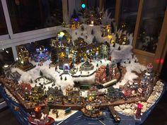 Village de Noël à l'esprit marin dans le salon de l'Hôtel du Port de Lesconil, Lemax collection