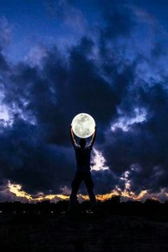 Photo by Jordi Rios. Beautiful image of a man standing in front of the night sky, holding the big full moon in his hands. Sun Moon, Stars And Moon, Moon Shine, Deep Books, Espanto, Look At The Moon, Shoot The Moon, Moon Pictures, Quote Pictures