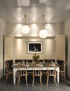 Alcazar Paris: Skip through the decadent spirit and epicurean aesthetic of remodelled Parisian gem Alcazar. Commercial Design, Commercial Interiors, Pub Design, House Design, Nouveau Look, Decoration Inspiration, Interior Inspiration, Paris Restaurants, Dining Room