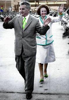 Lovitură de stat 1989 | Nicolae Ceauşescu Preşedintele României site oficial Continents, Mtv, Coat, Instagram, Military, Historia, Venice, Sewing Coat, Peacoats