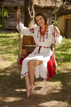Ukraine/ photo by Ladna Kobieta/, from Iryna. Traditional Fashion, Traditional Dresses, Ukraine, Ethno Style, Barefoot Girls, Folk Fashion, Folk Costume, Costumes, Beautiful Women