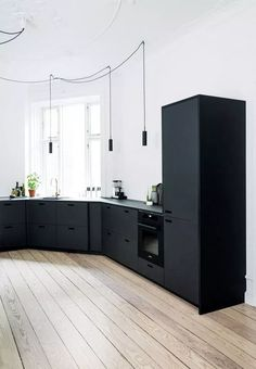 Simple and Creative Ideas: Minimalist Interior Ideas Woods colorful minimalist home benches.Colorful Minimalist Home Benches minimalist interior kitchen spaces.Minimalist Home Decoration Inspiration. Black Kitchen Cabinets, Kitchen Cabinet Design, Black Kitchens, Modern Kitchen Design, Interior Design Kitchen, Home Kitchens, Kitchen Decor, Floors Kitchen, Kitchen Black